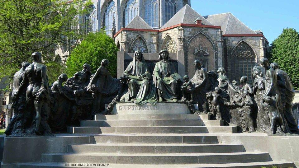Dronevlucht over het monument van Eyck